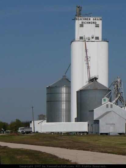 Prairie Spirit Trail 2007 - Beachner Grain elevator in Richmond, Kansas, with the Prairie Spirit Trail in the foreground.