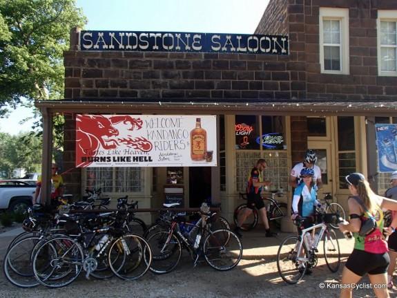Kandango-2014-1-SandstoneSaloon