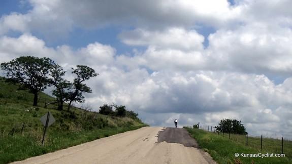 Kandango-2014-3-CrestingAHill